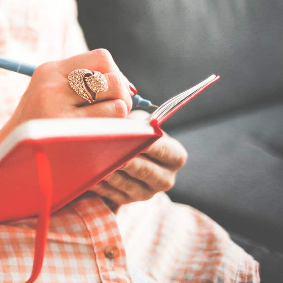 4 Ways Journaling Will Help You Grow