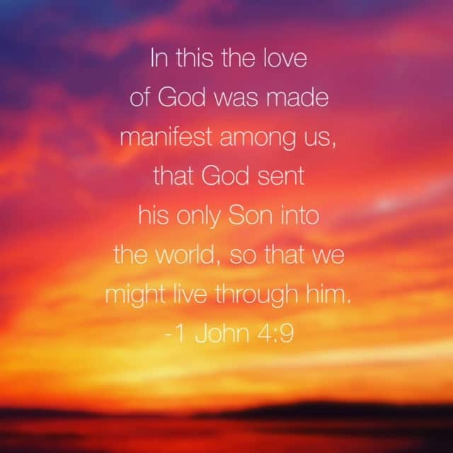 He loved so we could live. He lives so we can live and love. #truelove#biblereading